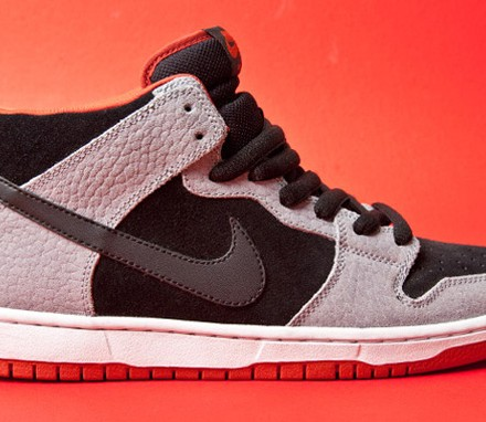 NIKE-DUNK-MID-PRO-SB-STEALTH-BLK-DRAGON-RED-1-1