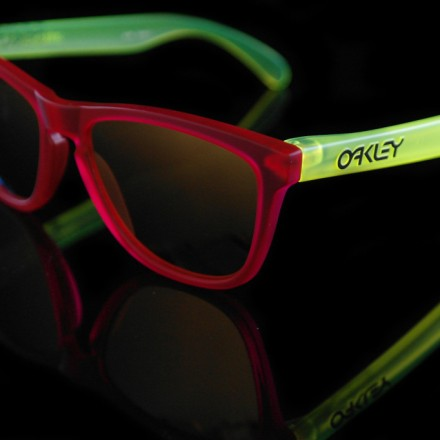 Oakley-Frogskin-Blacklight-series