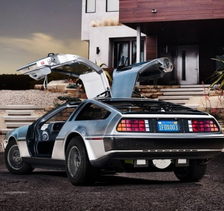 dmc-announces-all-electric-delorean-for-2013-0-620x413